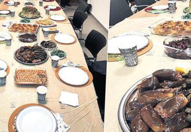 Tez Jüri 'si Yemekte: Aday mı yaptı, annesi mi?